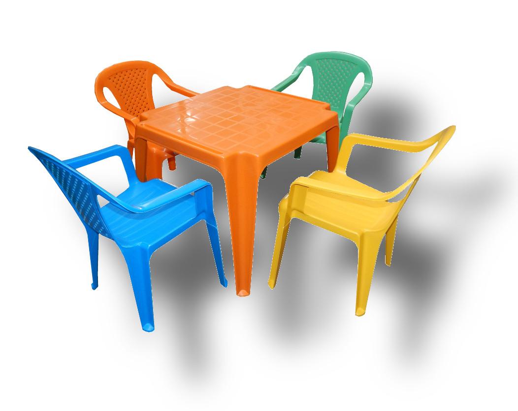 Műanyag gyerek asztal székkel